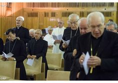 #PopeFrancis prays for persecuted Christians in Syria, Iraq | Vatican Radio