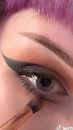 Punk Makeup, Gothic Makeup, Eye Makeup Art, Skin Makeup, Anime Makeup, Maquillage Goth, Grunge Makeup Tutorial, Eye Makeup Designs, Cosplay Makeup