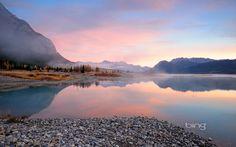 abraham lake | Abraham Lake on the North Saskatchewan River in Alberta, Canada | HD ...
