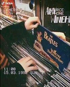 Retro Poster, Poster Print, Music Aesthetic, Aesthetic Vintage, Aesthetic Collage, Vintage Stil, Retro Vintage, Vintage Music, Vintage Yellow
