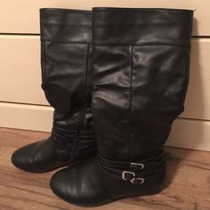 Tall boots with buckle size 7 Tall black boots, excellent condition, purchased from local boutique Wild Diva Shoes