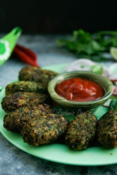 Hara Bhara Kebab is a popular Indian tea time snack. Made with fresh summer vegetables is easy and quick to make.  #indiansnacks #vegetarianrecipes #summer #vegetables #fresh #spicy #streetfood #spiced #spices #foodbloggers #foodblog #desifood #vegetarian #yummy #delicious #kebab #vegetariankebab #teatime #snack #foodphotography #foodstyling #rashmisdesizaika