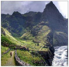 Nome:  Chã de Mar  Localização:  Cabo Verde, Santo Antão, Chã de Mar  Séria:  Natureza  Comentários:  Uma caminhada tão bonita para fazer e...
