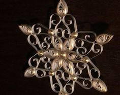 Natale di carta quilled arte ornamento d'argento & di TheQuillery