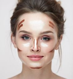Square face shapes are gorgeous, symmetrical, and dramatic - but how to contour a square face to bring your features front and center? If you need a few starter tips on how to contour, check out our crash-course guide for this lovely face shape! Contour Square Face, Square Face Makeup, How To Contour Your Face, Pin Up Makeup, Makeup Tips, Makeup Looks, Crazy Makeup, Makeup Geek, Makeup Art