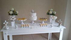 decoração simples anjo Baptism Decorations, Table Decorations, Table Set Up, Dessert Table, Table Settings, Birthday, Sweet, Party, Baptisms