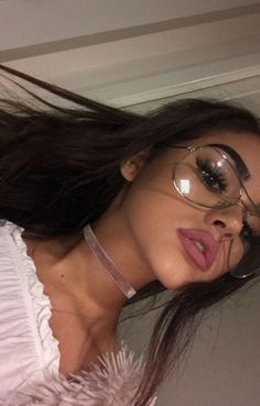 Maggie Lindemann uploaded by s ♕ on We Heart It Beauty Makeup, Hair Makeup, Hair Beauty, Pretty People, Beautiful People, Style Tumblr, Tumbrl Girls, Chica Cool, Baddie Makeup