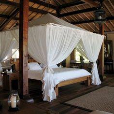 Suka Island - Java House Juwana - Bed