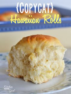 Copycat King's Hawaiian Rolls 6 cups all-purpose flour, plus an additional cup flour, divided 3 eggs 2 cups pineapple juice, room temperature cup sugar teaspoon ginger 1 teaspoon vanilla 2 ounce) envelopes yeast cup tablespoons) butter, melted Tortillas, King Hawaiian Rolls, Hawaiin Rolls, Kings Hawaiian Sweet Rolls Recipe, Hawaiian Bread Rolls, Yummy Food, Tasty, Dinner Rolls, Restaurant Recipes