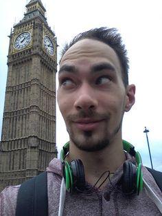 Modern disszidensek - Szakács voltam Londonban Wood Watch, London, Modern, Fashion, Wooden Clock, Moda, Trendy Tree, Fashion Styles, Fashion Illustrations