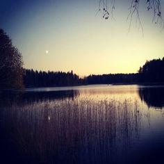 Luonnon sanaton kauneus &  saunaillan rentous❤ #lokakuunilta#järvimaisema#mökkielämää#visitfinland#cottagelife#thebeautyofnature#momentsofmylife#memories