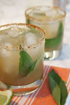 The smoky mezcal in this Oaxacan Mezcal cocktail melds perfectly with the fresh basil and sweet agave to make one super tasty cocktail. Mezcal Margarita, Mezcal Cocktails, Summer Cocktails, Green Cocktails, Cucumber Margarita, Mint Margarita, Summer Sangria, Coffee Cocktails, Sangria Recipes