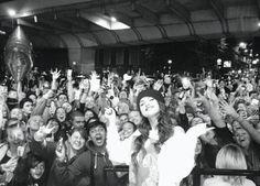 Selena Gomez volta para o instagram com essa foto (legenda ao lado)❤