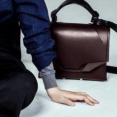 • Medium Slashed Bag in wine burgundy #AW17     #leather #flapbag #burgundy #wine #black or burgundy strap #colour option #bespoke #madetoorder #lindasieto Burgundy Color, Leather Bags Handmade, Italian Leather, Dust Bag, Leather Backpack, Shoulder Strap, Leather Book Bag, Maroon Color