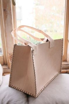 ★ Leather Craft Tutorials | Beginner's Guide & DIY Project Ideas ★