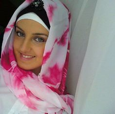 Hijab      Its a Ladies Hijab  with Beautiful Style, this Hijab  style is a new fashion and mostly these types of hijab,this is a s...