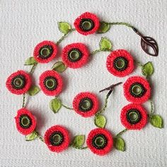 [contemporary%2520poppies%2520necklace%25201%255B4%255D.jpg]
