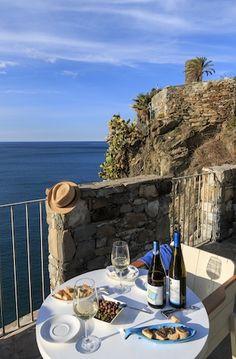 Best Hotel Lodgings in Cinque Terre #luxurydesign #luxuryhotel #hoteldesign luxury holidays, lux travel, boutique hotel design. Visit www.memoir.pt