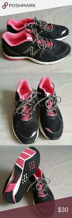 New Balance Running 790 Shoes 8 Lace-ups Item is in a good condition, NO PETS AND SMOKE FREE HOME. New Balance Shoes Athletic Shoes