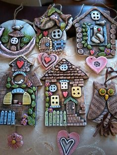 New pasta art dry 36 ideas Hobbies And Crafts, Diy And Crafts, Crafts For Kids, Pasta Kunst, Pasta Art, Clay Wall Art, Clay Art Projects, Clay Houses, Paperclay