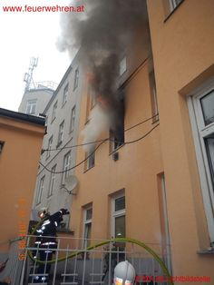 Apartment fire in vienna #firefighters