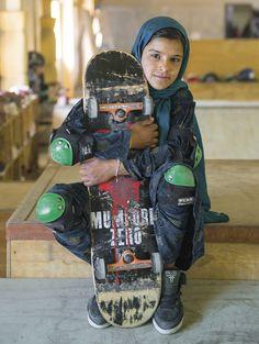 skate girl #2 | kabul, afghanistan | foto: jessica fulford-dobson