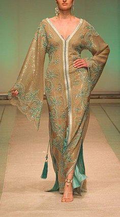 Moroccan Caftan (love the tassels) Modest Fashion, Hijab Fashion, Fashion Dresses, Muslim Fashion, Couture Fashion, Estilo Kaftan, African Fashion, Indian Fashion, Fashion Black