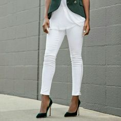 Bcbg white biker jeans w/ zip ankle sz. 27 Sexy skinny Jean. Adorable cut and design. Zipper on ankle. Brand new BCBG Jeans Skinny
