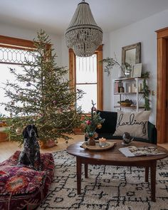 """Lucy Rose on Instagram: """"Good morning ☕️ We finally decorated the tree 🎄 Hallelujah! And now its REALLY beginning to look a lot like Christmas! Taking in this slow…"""" Winter Wonderland Christmas, Winter Christmas, Christmas Home, Bohemian Christmas, Red And Gold Christmas Tree, Minimal Christmas, Simple Christmas, Nutcracker Decor, Lucy Rose"""