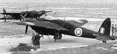 De Havilland Mosquito - Matt black Mosquito NF.II in the night fighter roll