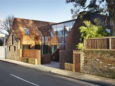 Kew House in London / designed by PiercyCompany