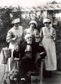 Harold Lloyd, Lonesome Luke Loses Patients.