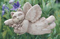 Товар #: 151 Это волшебное, полет кота фея скульптура.  Дисплей на кол чуть выше садах для действительно волшебный вид. . Ставка не входит Цена: $ 37.00 Вес: 2,00 фунта Размеры: W 8.50x H 5.25x D 1,75 Состав: Рука ролях камень  Сад Фея - Feline доска - Carruth Студия