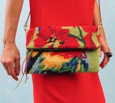 Pochette en Canevas, #carpetbag #rug #needlepoint leshopdemoz.com