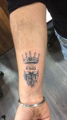 Couple Wrist Tattoos, Cool Forearm Tattoos, Small Tattoos, Tattoos For Guys, Star Tattoo On Hand, Bird Hand Tattoo, King Crown Tattoo, King Tattoos, Text Tattoo