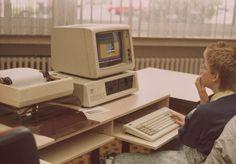 ¿Cómo serían las redes sociales en los 80? | Elsa López