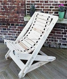 stylish pallet wood chair