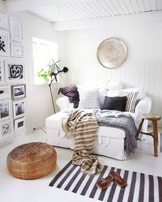 Shop powered by PrestaShop Three Day Weekend, Nordic Living, White Houses, Rest, Throw Pillows, Blanket, How To Plan, Interior, Modern