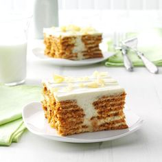 Lemon Ginger Icebox Cake Recipe -Everyone searches for grand desserts that have easy ingredients and minimal effort. My lemony ginger icebox cake is the answer. It's a holiday lifesaver. —Suzanne Banfield, Basking Ridge, New Jersey Lemon Icebox Cake, Icebox Cake Recipes, Icebox Desserts, Köstliche Desserts, Delicious Desserts, Dessert Recipes, Grands Desserts, Healthy Desserts, Fruit Dessert