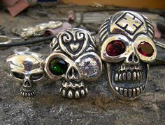 The rings Richard Rawlings from the Gas Monkey Garage wears in the show Fast´n Loud. Skull rings made by Tony Creed.