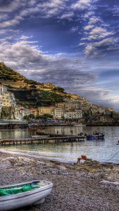 Amalfi-Italy-1136x640.jpg (640×1136)