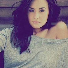 This is Demi Lovato, not Ashley Greene. Both ladies are beautiful, on their own separate ways!