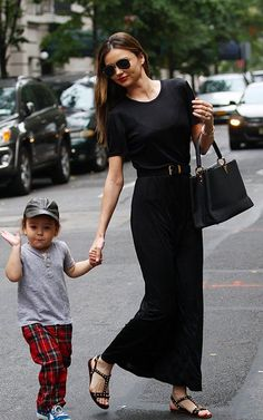 Miranda Kerr Hangs with Flynn After Swarovski News!: Photo Miranda Kerr holds her two-year-old son Flynn's hand while out and about on the Upper East Side on Sunday afternoon (October in New York City. First Date Outfits, Cool Outfits, Moda Hippie, Miranda Kerr Style, Look Fashion, Womens Fashion, Retro Fashion, Look Chic, Celebrity Style