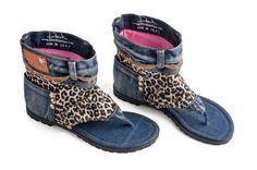 FÜR den Versand zu den von uns folgen Sie bitte diesem LINK zu AMAZON:: http://tinyurl.com/danikamazon  Dani.K Jeans Sandalen sind hochwertige Schuhe, die nie unbemerkt! Sie sind komfortabel und Spaß Sandalen hinzu, die Irre einzigartig aussehen, was Sie tragen. Nur Zettel, die Ihren Fuß innen und Sie bereit sind zu gehen :)  Dani.Ks bestehen aus 100 % Denim-Baumwollgewebe mit einer lang anhaltenden hochwertige Gummi allein. Aus Liebe und Respekt für Tiere sind sie auch völlig ...