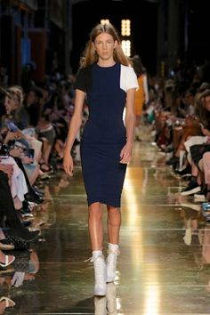 Alex Perry Ready-To-Wear S/S 2014/15 Runway gallery - Vogue Australia