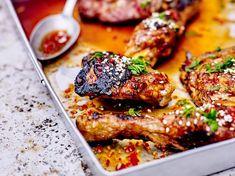 Je sais pas vous, mais moi j'ai toujours de la sauce soja dans mon placard ! Vous la connaissez sûrement, car on nous la propose dans les restaurants japonais... Marinade Poulet Sauce Soja, Marinade Sauce, Seasoning Mixes, Tandoori Chicken, Chicken Wings, Meal Prep, Bbq, Spices, Asian