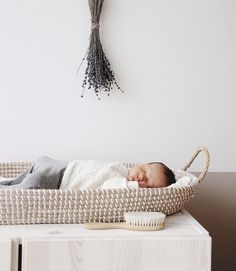 Olli Ella Reva changing basket (pre-order delivery begin august) Weißes Babyzimmer - white nursery V White Nursery, Nursery Neutral, Baby Kids, Baby Boy, Moses Basket, Baby Arrival, Baby Bedroom, Nursery Inspiration, Baby Essentials