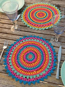 Flower Motif I think the crochet Palmeras Place Mats pattern is well written with clear instructions. There are pattern notes. Crochet Placemat Patterns, Crochet Mandala Pattern, Crochet Motifs, Doily Patterns, Crochet Doilies, Crochet Stitches, Knitting Patterns, Crochet Flower, Crochet Afghans