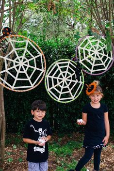 How to make a spiderweb toss game for a kid's Halloween party.
