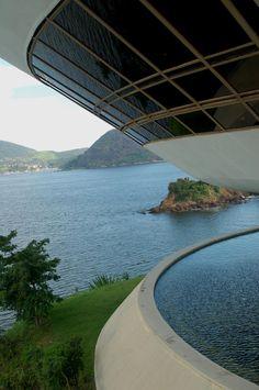 MAC : Museum of Contemporary Art, Niteroi, Rio de Janeiro Brazil   Oscar Niemeyer
